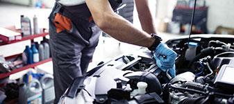 PKW-Reparatur,<br>  Service + Wartungsarbeiten