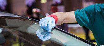 Autoglasarbeiten<br>Reparatur + Austausch